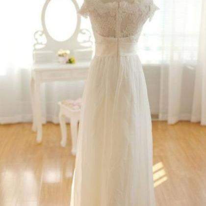 Pretty Elegant Long Chiffon Ivory ..