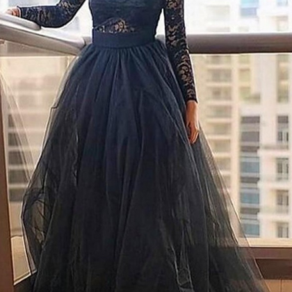 Black Lace Long Sleeves Prom Dress..