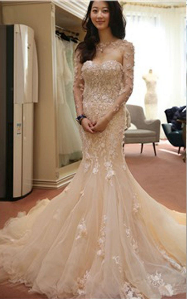 Stunning Pink Two Pieces Long Sleeve Sweetheart Mermaid Appliques Wedding Dresses,