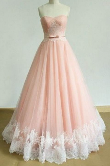 Appliques Sweetheart A-line Tulle Prom Dresses