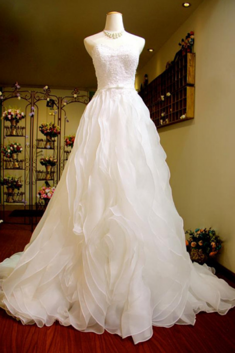 Sweetheart Organza A-line Wedding Dress Featuring Beaded Embellishment, Lace Up Back and a Chapel Train