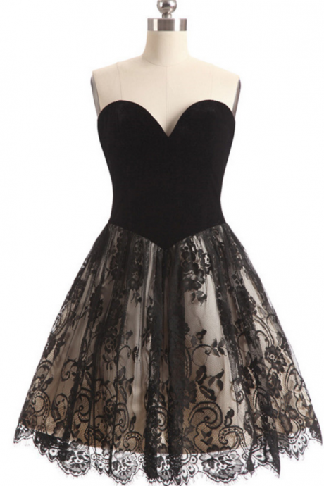 Sexy A-Line Sweetheart Sleeveless Backless Black Short Homecoming Dress With Lace