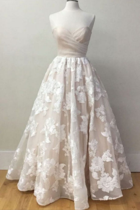Strapless Sweetheart Floral Lace Appliqués A-line Wedding Dress