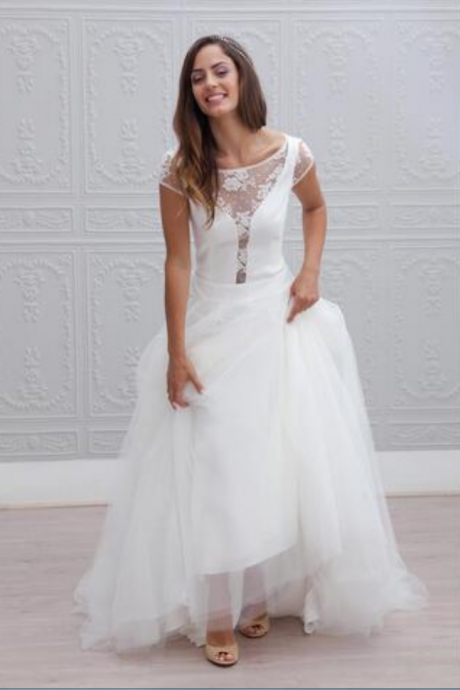 Tulle Beach Wedding Dresses Opening V Lace Neck in Satin Bodice With Layers Tulle Gowns