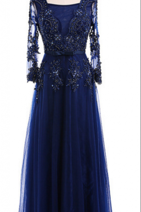 Long formal evening dress, a row of royal blue tulle, long sleeves, long sleeves