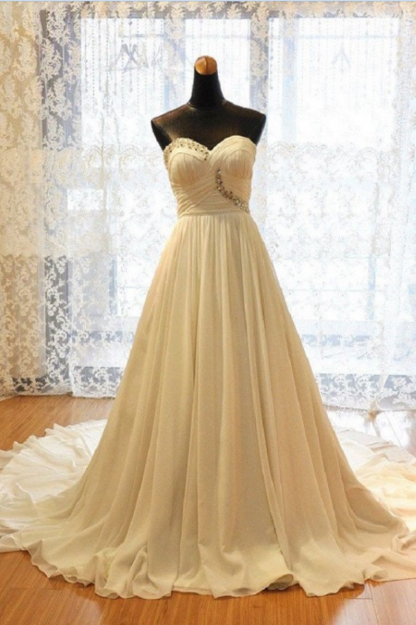 Excellent A-line Sweetheart Neck Strapless Chapel Train Ivory Chiffon Wedding Dresses