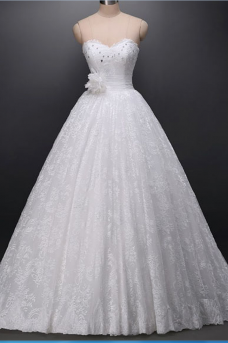 Exquisite Ball Gown Sweetheart Court Train Lace Wedding Dress with Rhinestone Handmade Flower