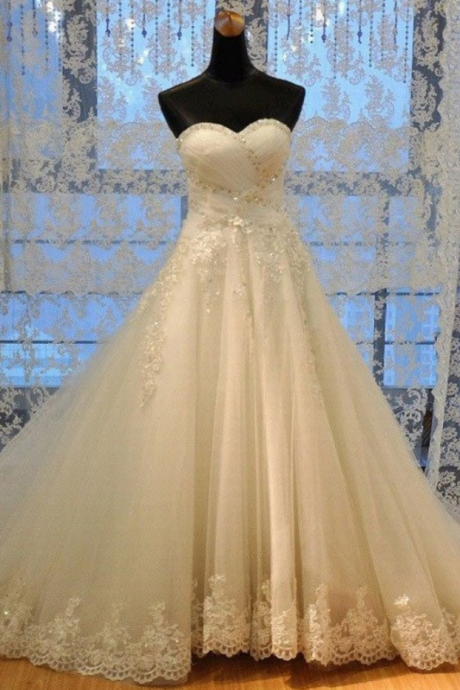 Hot Sale Sleeveless Strapless Sweetheart Neck A-line Lace Appliqued Bridal Wedding Dresses