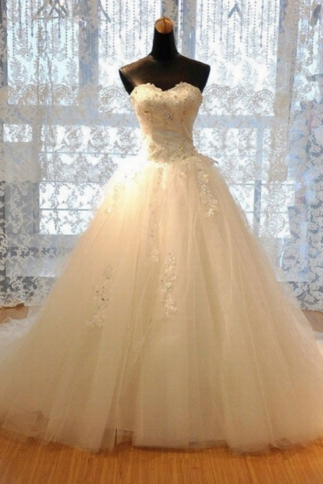 Strapless Sweetheart Neck Luxury A-line Lace Applique Wedding Dress