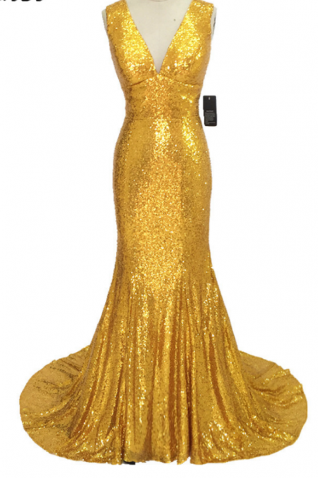 A lively sequined golden woman's elegant formal gown for a bridesmaid dress custom-made high-slit evening gown
