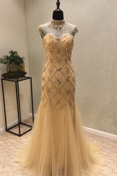 The sex appeal of the new party dress! Sleeveless turtle neck length veils of pearl mermaid shirtless party dress