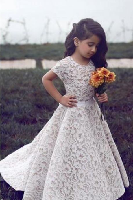 Lace Flower Girl Dresses For Wedding Vintage Jewel Short Sleeves A Line Girls Pageant Dress Sweep Train Kids Birthday Prom Dress Formal Wear
