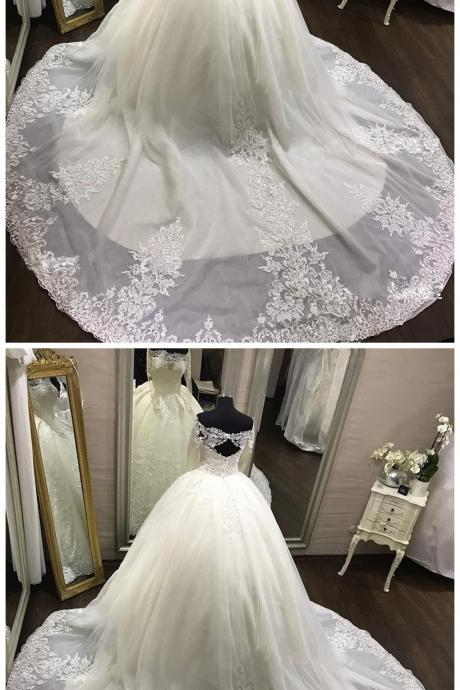 Vintage Wedding Gowns White Long Sleeves Lace Appliques Ball Gown Bridal Dresses Wedding Dresse with Royal Train