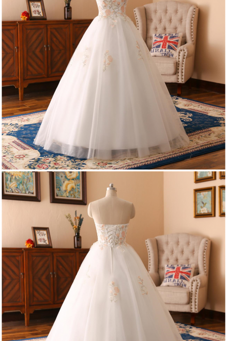 A-line Flower lace Applique wedding dress ,sexy sweetheart neck wedding dress , Luxury beading sleeveless wedding dress, floor length bridal dress