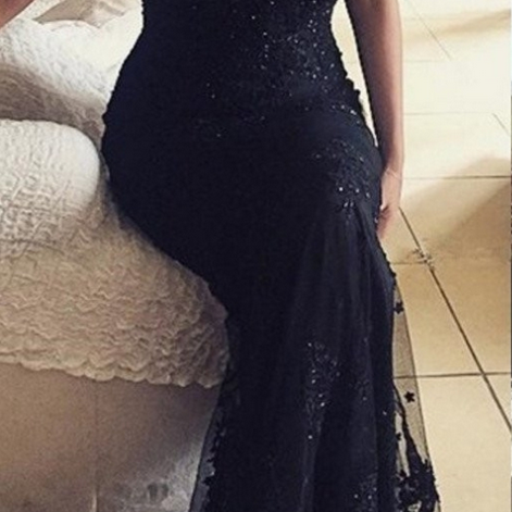 Spaghetti Straps Appliques Backless Sheath Prom Dresses